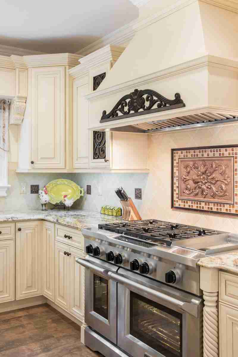 J&K Cabinetry Cream Glazed Kitchen Cabinet Countertop